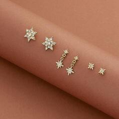 Glänzende sternförmige Legierung mit Strasssteine Ohrringe 6 PCS