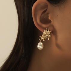 Modisch Jahrgang Legierung mit Nachahmungen von Perlen Ohrringe (Set von 2)