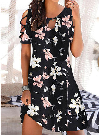 Print/Floral Short Sleeves Cold Shoulder Sleeve Shift Above Knee Casual/Vacation Tunic Dresses